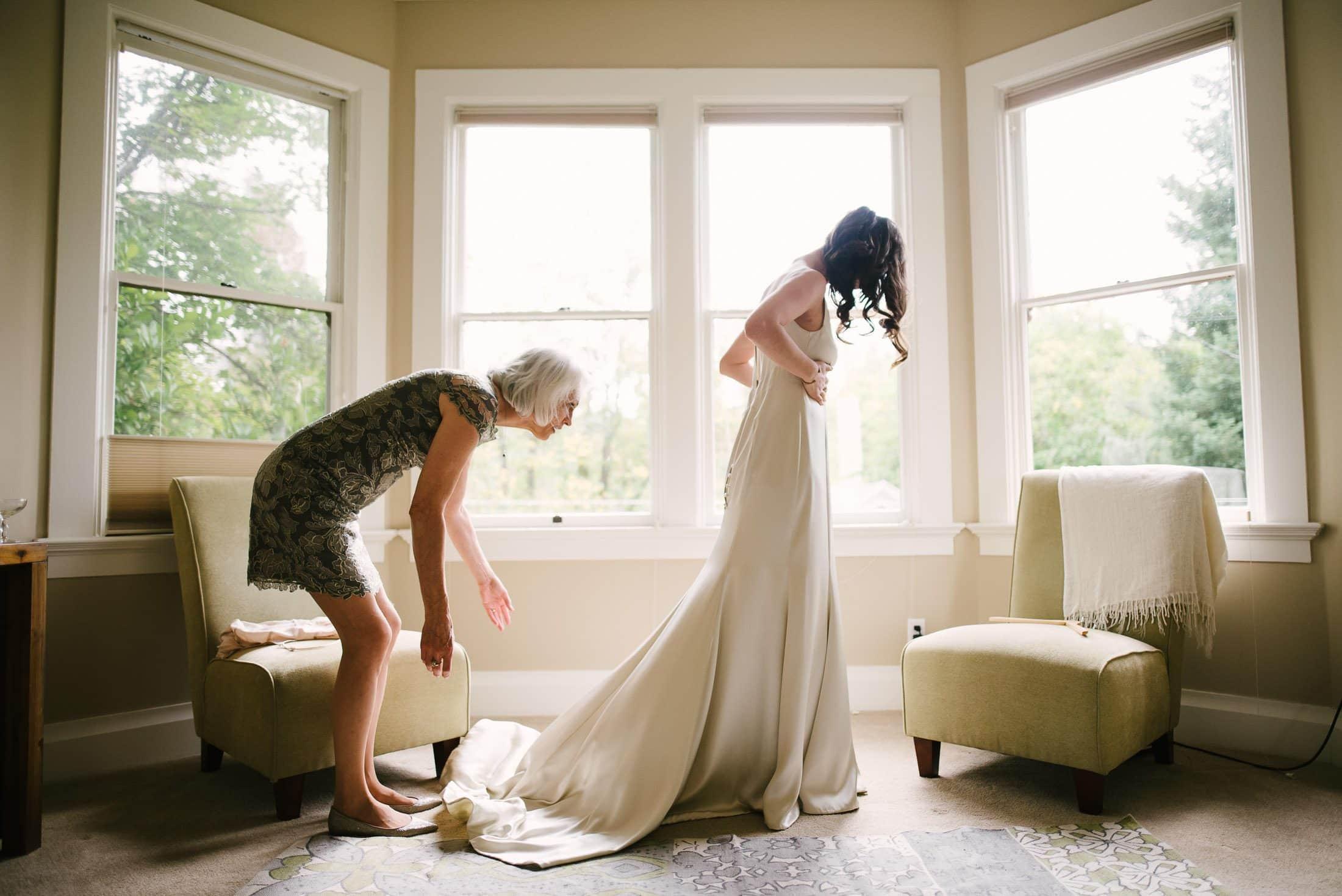 Nevada City Bride Getting Ready