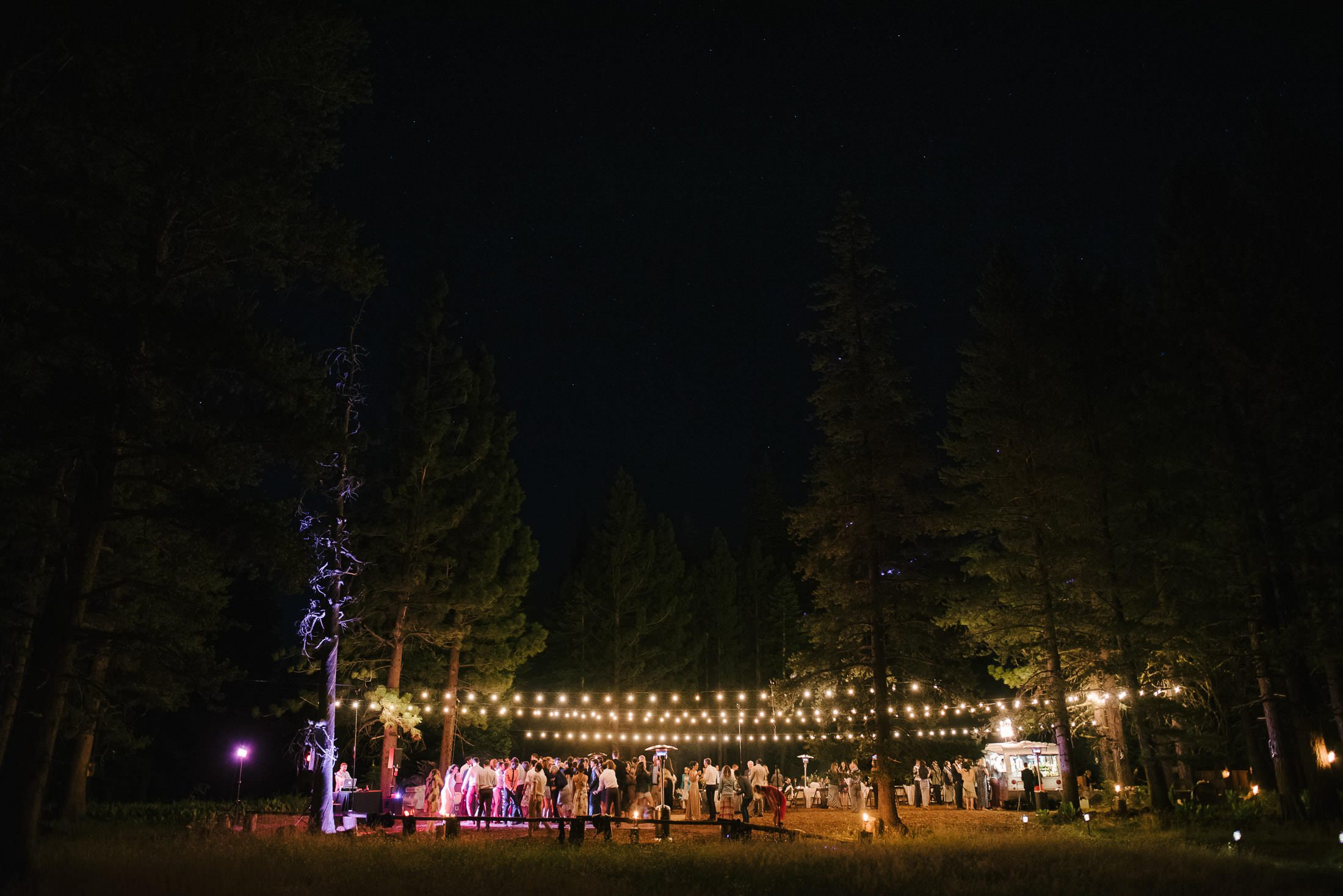 dance party at truckee wedding